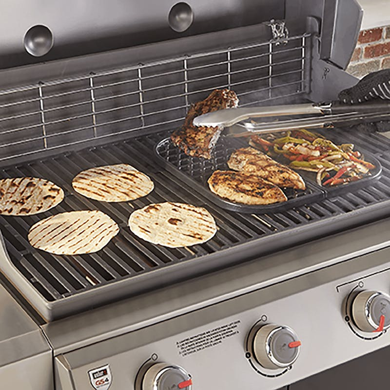Grill & Griddle Station - Gourmet BBQ System cooking grates image number 3